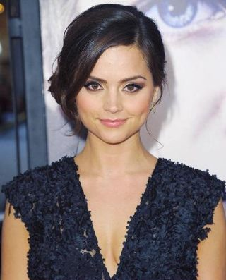 Jenna-Louise-Coleman-doctor-who-33981133-493-611